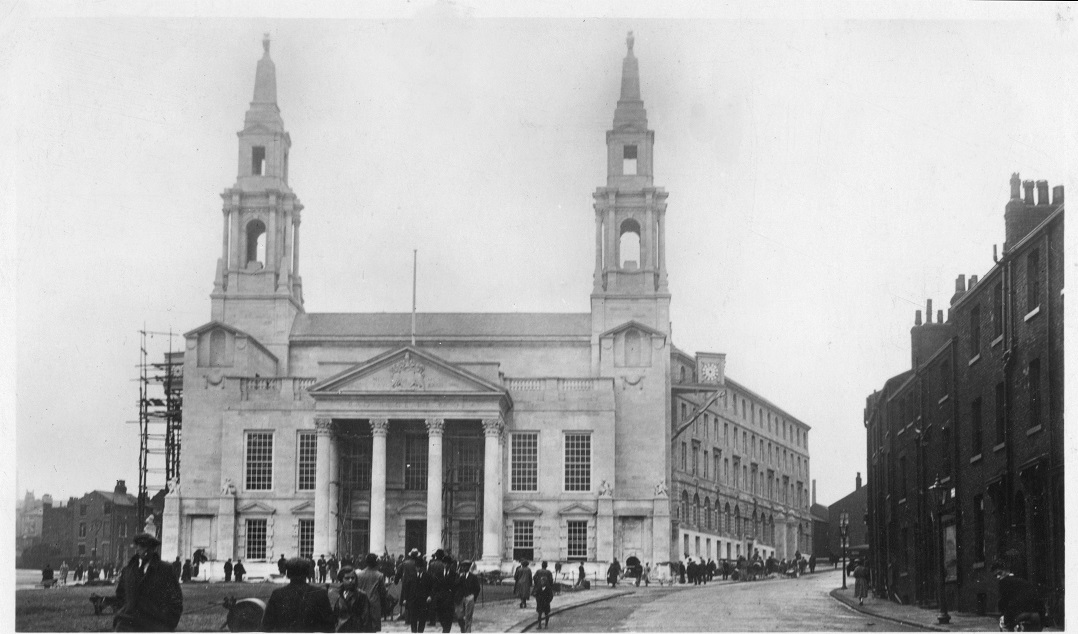 Leeds Civic Hall, 1930s– photo 1, click to enlarge