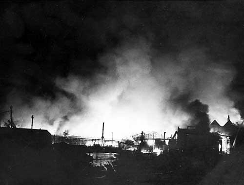Leeds Kirkgate Market fire, click to enlarge